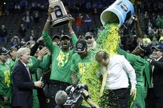 Men of Oregon Ducks Basketball Team Advances to Final Four with Win over Kansas March 2017