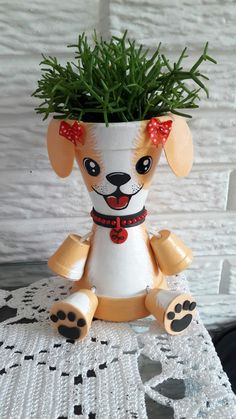 Painted Pavers, Painted Clay Pots, Painted Flower Pots, Flower Pot People, Clay Pot People, Clay Pot Projects, Clay Pot Crafts, Clay Flower Pots, Flower Pot Crafts