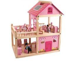 """בית+בובות+ורוד+מעץ+מלא+מבית+Pit+toys.<br+/>+הבית+דו+קומתימאובזר+ומרוהט+ופתוח+לכל+ארבעת+הכיוונים+למשחק+מכל+צד+בכל+אחד+מחדרי+הבית.<br+/>לבית+מטבח,+סלון,+חדר+שינה,+מרפסת+ודלת+נפתחת+דרכה+ניתן+להכניס+ולהוציא+בובות+ואביזרים.<br+/>בית+הבובות+כולל:+טלויזיה+עם+כוננית,+כורסת+טלוויזיה,+אסלה,+כיור,+מקלחון,+מיטת+שיזוף,+שולחן+עם+מנורה+ומיטה<br+/>+מידות:+אורך+55+ס""""מ+גובה+49.5+ס""""מ+ורוחב+29.5+ס""""מ.<br+/>+<br+/>מומלץ+מגיל+3+ומעלה<br+/>+<br+/>+*מוצר+זה+מגיע+עם+שליח+עד+הבית+ב-25+ש""""ח.+יש+לבחור+ב..."""