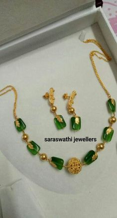 Delicate light weight stone and gold Jewelry Gold Jewellery Design, Bead Jewellery, Beaded Jewelry, Handmade Jewellery, Diamond Jewelry, Jewellery Bracelets, India Jewelry, Antique Jewellery, Stone Jewelry