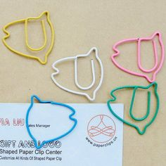 tropical fish Paper Clips Diy, Fish Shapes, Wire Crafts, Tropical Fish, Creative Gifts, Custom Logos, Christmas Stockings, Arts And Crafts, Stationery