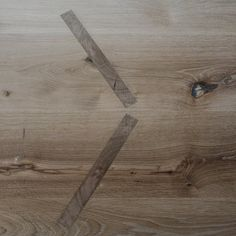 / making of.. / details of an oak table designed by Studio deFORM / ⠀⠀⠀⠀⠀⠀⠀⠀⠀ #dubahardwood #Czechdesign #woodworkshop #studiodeform #oaktable #oakfurniture #woodwork Oak Table, Woodworking Shop, Hardwood, Studio, Detail, How To Make, Instagram, Design, Oak Desk