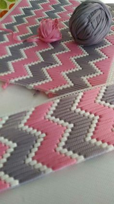 How To Make Plastic Canvas Coasters! - Y - Diy Crafts - Marecipe Plastic Canvas Stitches, Plastic Canvas Coasters, Plastic Canvas Crafts, Plastic Canvas Patterns, Broderie Bargello, Bargello Needlepoint, Yarn Crafts, Sewing Crafts, Diy Crafts