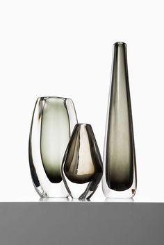 Mid-Century Glass Vases by Nils Landberg for Orrefors, Set of 3 for sale at Pamono Clear Glass Vases, Glass Art, Cut Glass, Paper Vase, Vase Crafts, Black Vase, Pottery Vase, Vases Decor, Glass Design