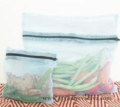 Reusable Net Food Bags for Produce (tutorial) Fabric Crafts, Sewing Crafts, Sewing Projects, Craft Projects, Net Bag, Produce Bags, Sewing Patterns Free, Free Sewing, Crafts To Make