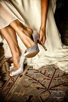 #weddingshoes #shoes #weddingshoesideas #weddingdetails #weddingideas #inspiration #weddingplanning #luxury #fashion #bridetobe #weddingphotographer