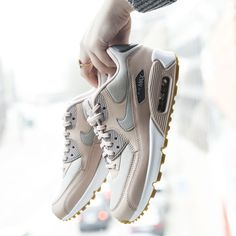 Nike Sportswear Sneaker 'Air Max in rosa Air Max 90, Nike Air Max, Nike Sportswear, Air Max Sneakers, Sneakers Nike, Kinds Of Shoes, Me Too Shoes, Street Style, Style Inspiration