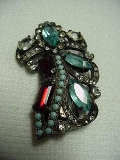 Eisenberg fur/dress clip