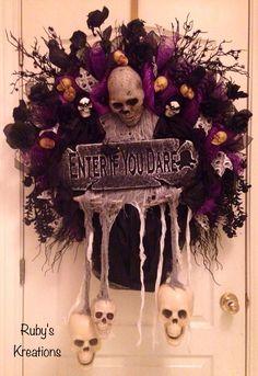 Halloween Wreath - Skull Wreath - Scary Wreath - Spooky Wreath - Halloween Decor