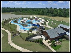 The award winning Rob Fleming Aquatic Center is one of many attractions in The Woodlands, TX. If you enjoy spending time outdoors with your family and friends this is definitely the place to be, located conveniently in Creekside Park. #familytime #Robflemingaquaticcenter #TheWoodlands