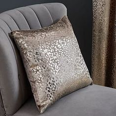Wide range of Filled Cushions available to buy today at Dunelm, the UK's largest homewares and soft furnishings store. Order now for a fast home delivery or reserve in store. Gold Cushions, Velvet Cushions, Living Room Inspiration, Soft Furnishings, Print Design, Relax, Throw Pillows, House Ideas, Metallic