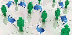 Dentro del ámbito empresarial y organizacional, se presenta la rotación de personal, la cuál es la cantidad de personas que ingresan o se desvinculan de la empresa, es decir cuánto tiempo los empleados permanecen en la compañía y con qué frecuencia deben ser reemplazados. - http://liderdelemprendimiento.blogspot.mx/2015/02/rotacion-de-personal.html