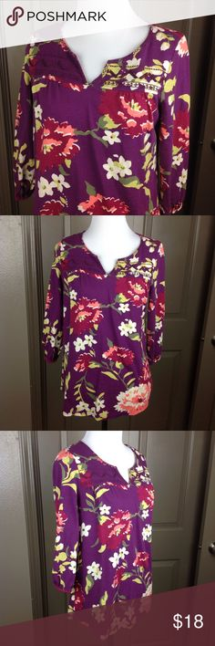 Sonoma Purple Floral Top Small 3/4 Sleeve Great Condition Sonoma Purple Floral Top Small 3/4 Sleeve 60/40 cotton/modal 23 inch length 18 inch across bust Sonoma Tops Blouses