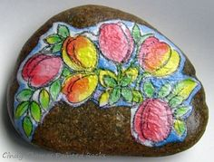 No drawing skills? No problem! You can create colorful rock and stone art using these 4 techniques.