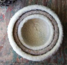 Felted Knit Nesting Bowls! We love the color of these cute little bowls. Make your own in DROPS Eskimo or Alaska!