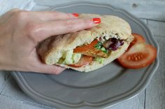 Pita, Hamburger, Sandwiches, Tacos, Ethnic Recipes, Tortilla, Food, Food Cakes, Eten