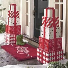 Welcome the festive season of Christmas with beautiful Christmas Outdoor Decor Ideas. From gleaming Christmas lights to outdoor Christmas trees & more. Christmas Lights, Christmas Holidays, Simple Christmas, White Christmas, Christmas Trees, Amazon Christmas, Christmas Movies, Christmas Quotes, Christmas Music
