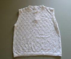 Vintage 1960's White Mod Sleeveless Woman's Shell, Sweater, Shirt, Zips In Back,  Size Medium, Very Good Condition