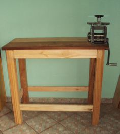 Making a rolling mill bench