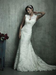 Watch my wedding dress NOT be lace.. Lol