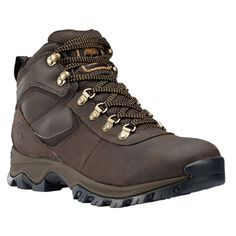 Make footprints in Timberland's Mt. Maddsen waterproof hiking boots. These men's leather hikers take on any terrain.
