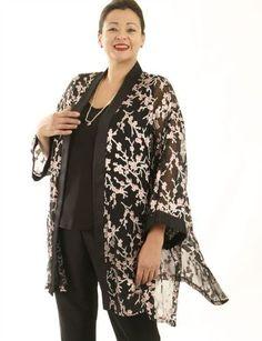 Plus Size Mother of Bride Kimono Jacket Silk Pink Black Plus Size Wedding Dresses with Sleeves or Jackets, plus size mother of the bride, special occasion, artwear, elegant and unique women's clothing,xoPeg #PeggyLutzPlus #PlusSize #style #plussizestyle #plussizeclothing #plussizefashion #womenstyle #womanstyle #womanfashion #springwedding #summerstyle #summerwedding #formal #couture #divastyle #pluswedding #plusbridal