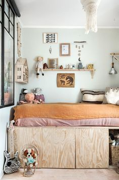 Beautiful Eclectic Style for a Kid's Room This children's room is simply gorgeous! Take a look: https://petitandsmall.com/beautiful-eclectic-style-kids-room/