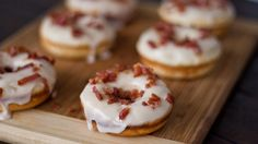 Or perhaps you are more of a Maple Bacon Donut type. Totally cool with that too. #NationalDonutDay ^aw