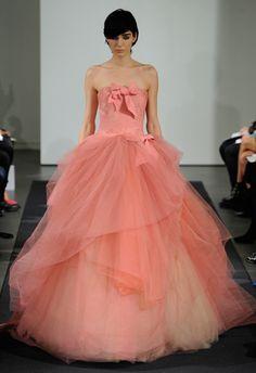 Vera Wang Fall 2014 Wedding Dresses **digging this skirt for some reason**