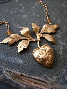 FRAISE golden strawberry Necklace