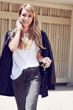 Emma Roberts - Levi's Photoshoot 2014. Fall outfit. Fall street fashion. Jeans