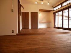 古くて新しくて、とびきり可愛い平屋。 - 物件ファン Divider, Flat, Room, House, Furniture, Home Decor, Bedroom, Bass, Decoration Home