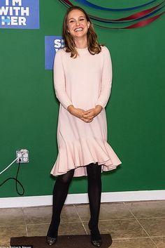 Natalie Portman wearing Dior Black Lace Pump