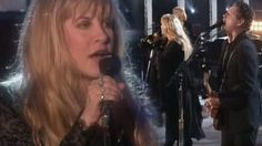 """Fleetwood Mac Reunite After 10 Years And Bring The Crowd To Its Feet With """"The Chain"""""""