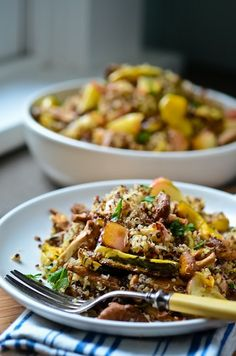 Quinoa (rice) with roasted chanterelles, apples and squash