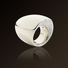 Tonneau - Vhernier  Ring in white gold and diamonds