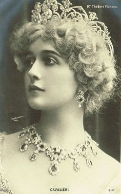 Lina Cavalieri Famous Italian Opera Star Beautiful Glamour Portrait with Luxurious Jewelry & Tiara by Reutlinger Studio Paris, Original 1900