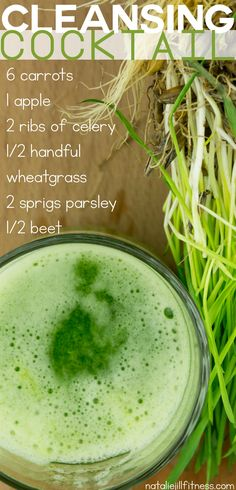 Cleanse your body with this amazing detox juice! Green juice that tastes delish and is good for you- yes, please!