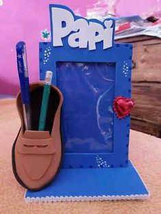 Mimos de Infância: Dia do Pai a chegar... Fathers Day Art, Happy Fathers Day, Fathers Day Gifts, Projects For Kids, Diy For Kids, Crafts For Kids, Daddy Day, Mom Day, Foam Crafts