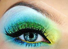 Brittany Couture: Eyeshadow Tutorial...this would be perfect for halloween!