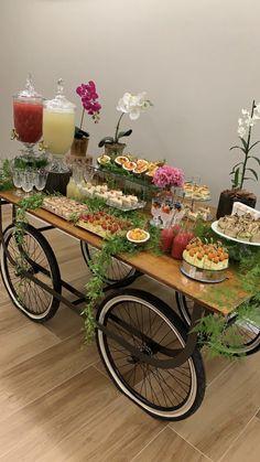 Eid Breakfast, Breakfast Buffet Table, Dessert Table, Breakfast Ideas, B Food, Food Art, Food Decoration, Table Decorations, Wedding Decorations