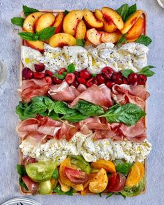 Cheese Appetizers, Yummy Appetizers, Appetizers For Party, Prosciutto Appetizer, Summer Appetizer Recipes, Appetizer Ideas, Antipasto, Charcuterie Recipes, Charcuterie And Cheese Board