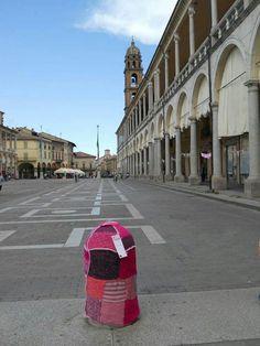 Urban knitting at Faenza