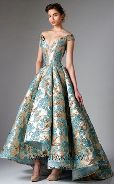 Décolleté fairytale high low evening gown by Edward Arsouni Couture. Dress in this Edward Arsouni Couture and feel like a princess, like Cinderella. Haute Couture Dresses, Haute Couture Fashion, Elegant Dresses, Pretty Dresses, Party Wear Dresses, Prom Dresses, Beautiful Gowns, Chiffon Dress, Designer Dresses