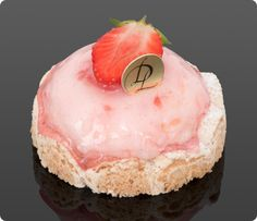 I'm thinking this site should be BANNED. it's TOO delicious! Pastry Art, Pastry Shop, Sweet Desserts, Dessert Recipes, Dacquoise, Baking And Pastry, Dessert Bread, French Pastries, Eat Dessert First