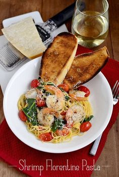 Seafood Pasta for Date Nights | Shrimp Florentine Pasta by Homemade Recipes at http://homemaderecipes.com/course/desserts/24-amazing-first-date-dinner-recipes