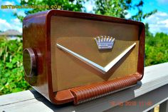 SOLD! - Aug 9, 2015 - ROCKABILLY Looking Retro Vintage Cadillac Brown Marbled Gold 1950's Truetone Western Auto D2586 AM Tube Radio WORKS!