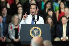 Julian Castro just basically tried out to be Hillary Clinton's vice president  Adding fuel to the rumor fire. Coming form the Washington Post it should be more than mere chisme. Or is it?