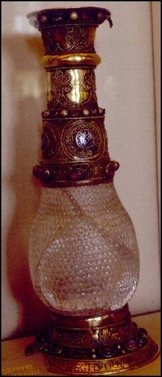 15-year old Eleanor of Aquitaine gave this vase to her husband, Louis Capet, as a wedding gift. It's the only surviving artefact connected with her.