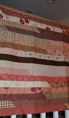 easiest jelly roll pattern ever....just using a jelly roll of fabric...    Free Quilt patterns from the Top Kansas Quilt Shop